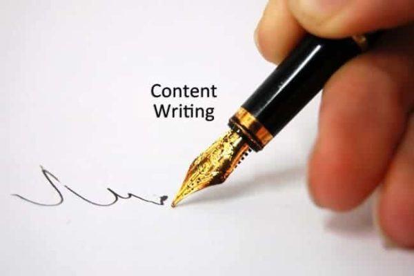 Nên chọn ngôn từ trong sáng, dễ hiểu, diễn đạt mạch lạc, sáng tạo, ngắn gọn và xúc tích để khách hàng thích thú đọc hết thông tin