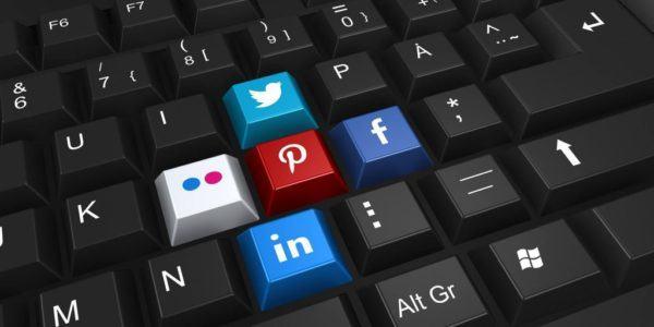 social marketing 1024x512 600x300 - KHỞI NGHIỆP KINH DOANH ÍT VỐN CẦN LƯU Ý GÌ?