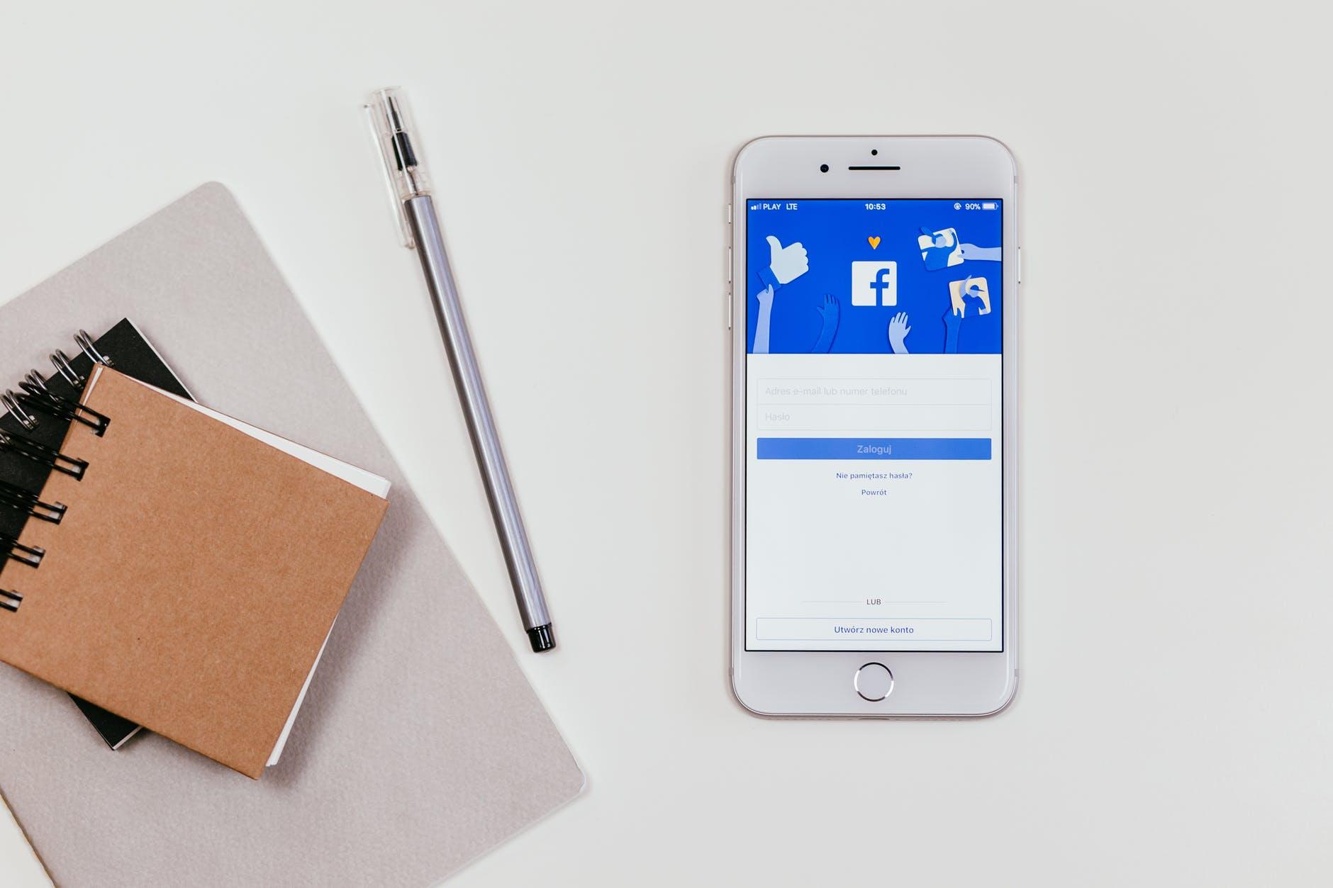 Giờ Vàng Facebook