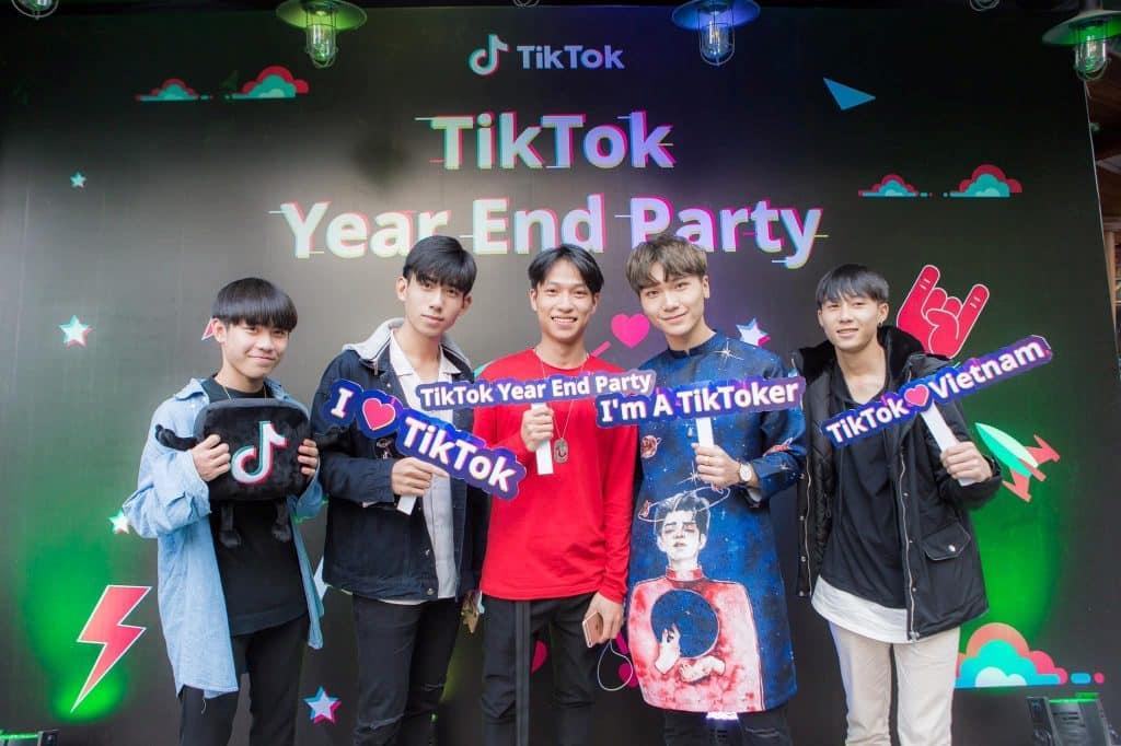 Tại sao không sử dụng Tiktok để kiếm tiền từ nó?