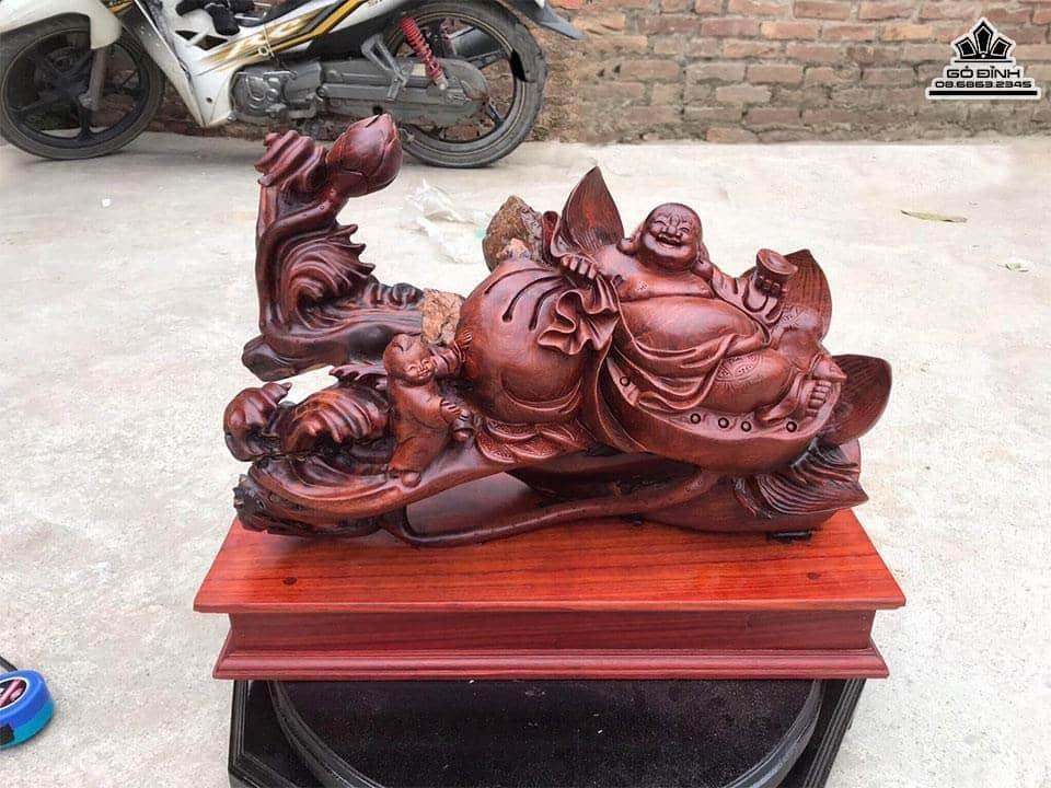 Tượng Phật Di Lặc Ngồi Đài Sen Gỗ Hương