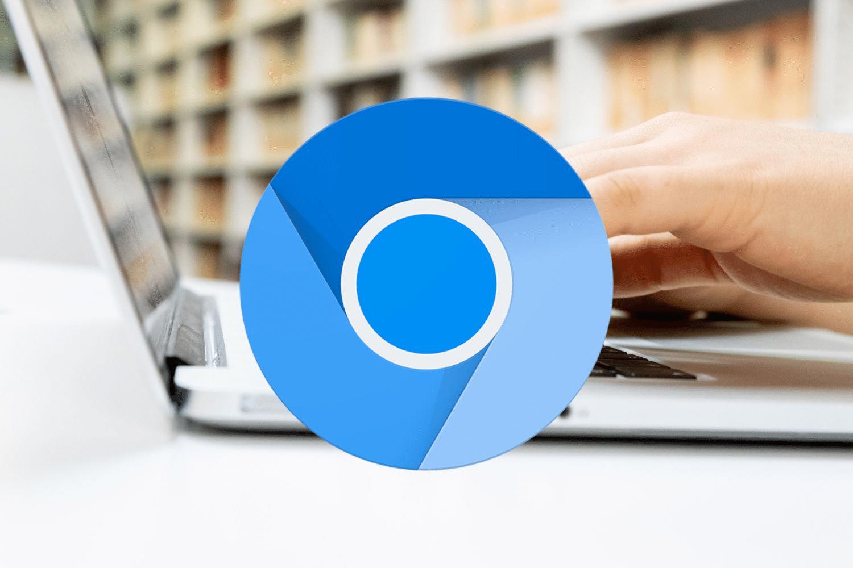 Chrome bao gồm một vài codec cho phép các định dạng phương tiện truyền thông độc quyền - đặc biệt là các trang web sử dụng HTML5 clip để stream clip H.264. Cả hai trình duyệt web đều có những codec cơ bản, miễn phí: Opus, Theora, Vorbis, VP8, VP9, và WAV.