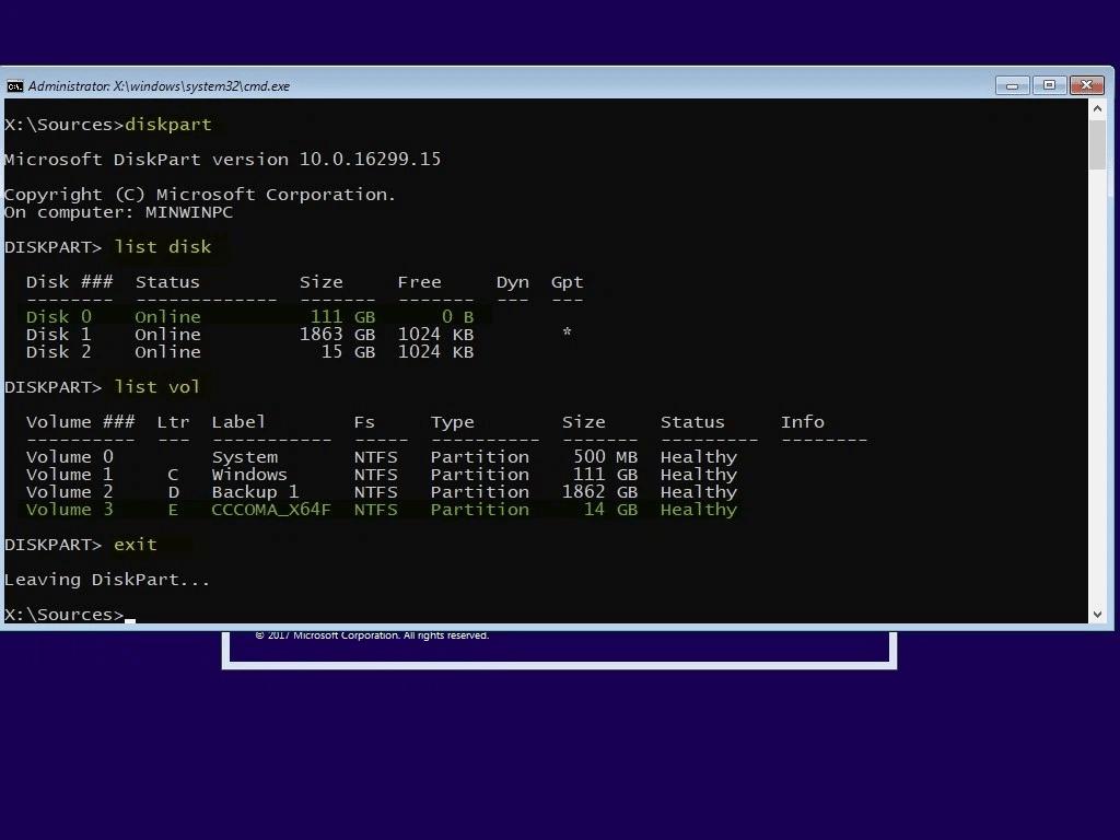 Bước 1: truy cập vào phần Disk Management như hướng dẫn trên. Bước 2: Click chuột phải vào phân vùng có không gian trống rồi chọnShrink Volume.