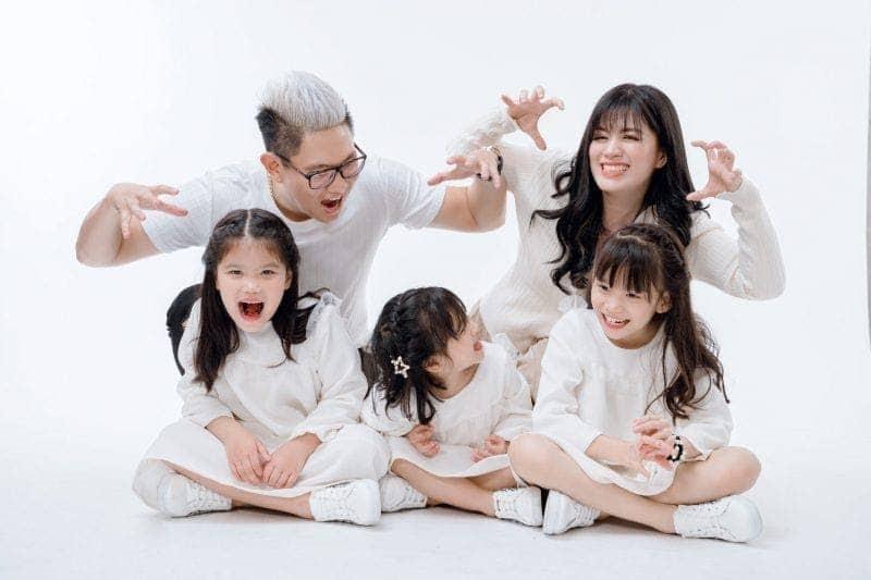 """Áo đồng phục gia đình - ý tưởng chụp ảnh """"không bao giờ cũ"""""""